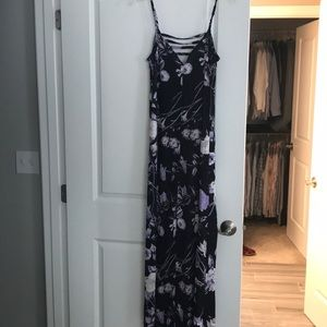 New with tags, size small Mimi Chica floral maxi